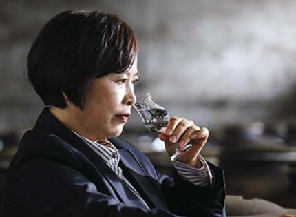 记国家级白酒尝评勾调大师——吴晓萍